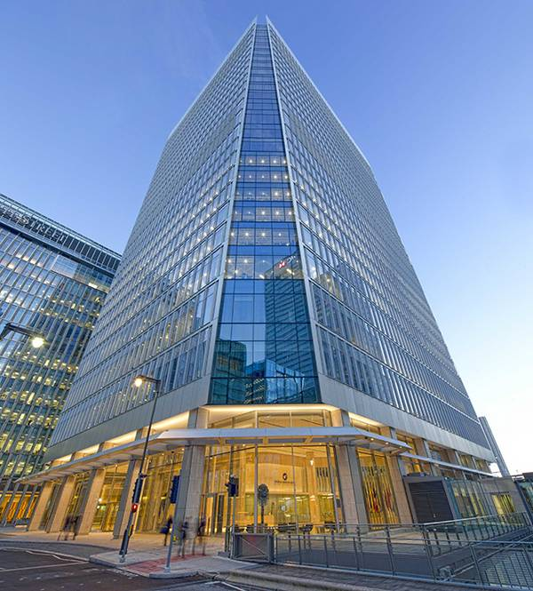 In the business district Canary Wharf, seele installed a elementary façade for the office building at 25 Chuchill Place.