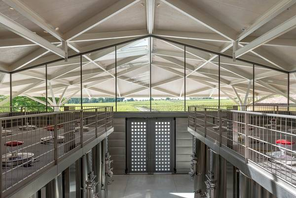 The Château Margaux is another project from façade specialist seele to demonstrate its creativeness, dedication and craft-like perfection when it comes to steelwork.
