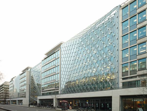 The glazing for the buildings in 55 Baker Street was delivered pre-finished.