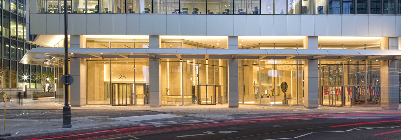 seele built a single-leaf unitised façade, a post-and-rail façade and canopies for the building envelope of 25 Churchill Place in London, UK.
