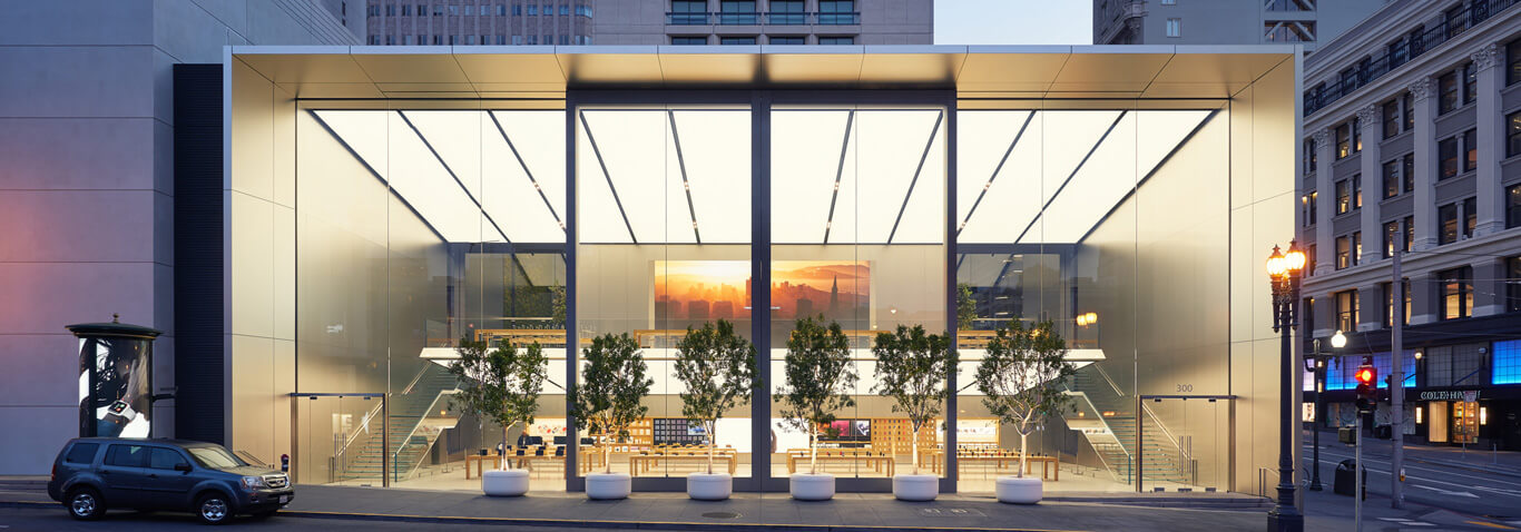 Apple Retail Store in San Francisco was realized by façade specialist seele with an astounding steel-and-glass sliding section.