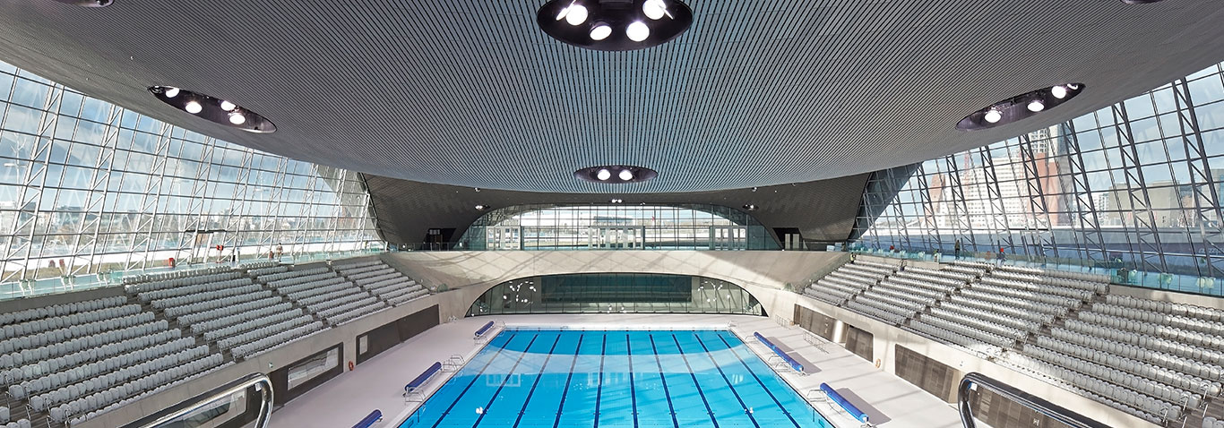 The Aquatics Centre in London's East End, realized by seele, has a stell-and-glass as well as a aluminium-and-glass façade.