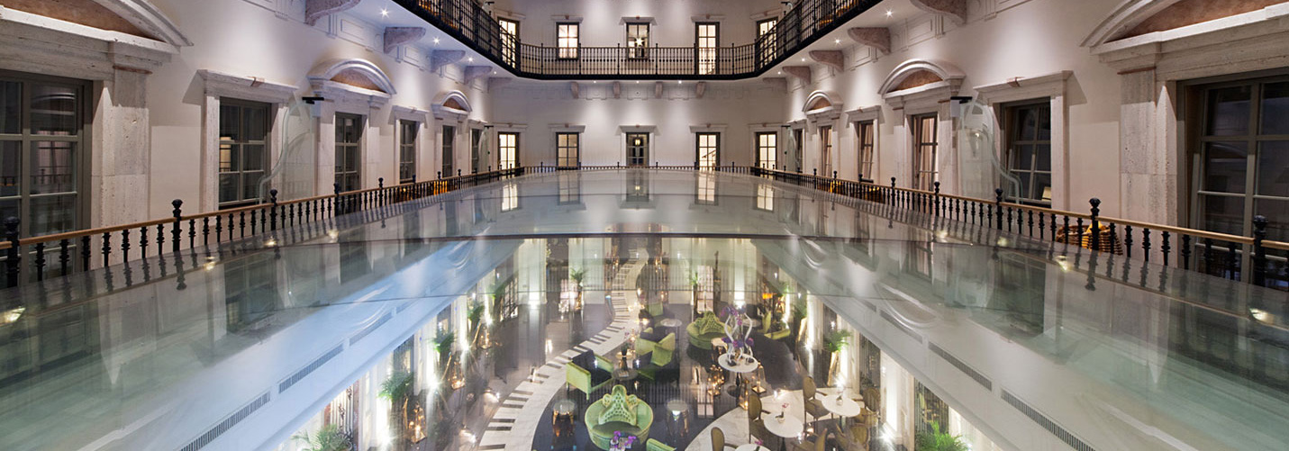 seele realized the atrium glazing of the luxurious boutique hotel in the centre of Budapest.