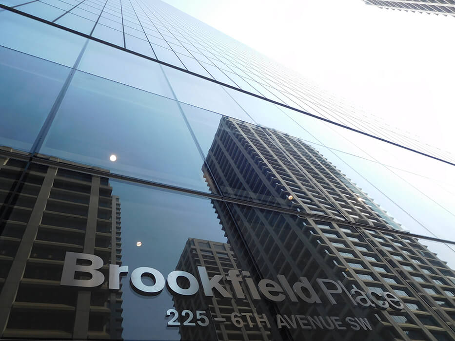 Broookfield Place in Calgary consists of two towers with up to 247m height and 56 floors.